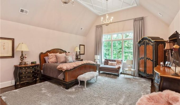 homes for sale in river club suwanee