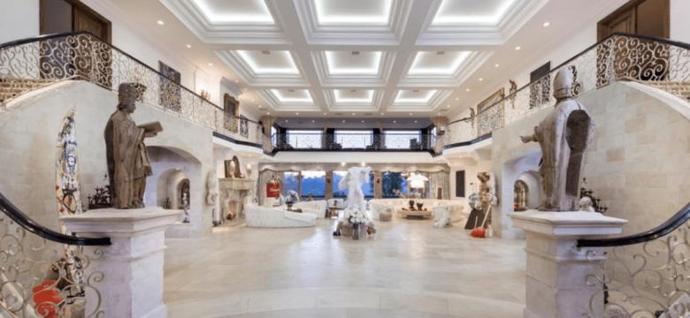 beverly-hills-mansion-foyer