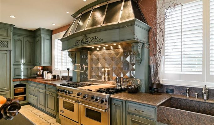 luxury homes michigan